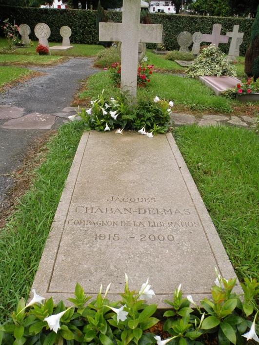 tombe de Jacques Chaban Delmas au cimetière d'Ascain