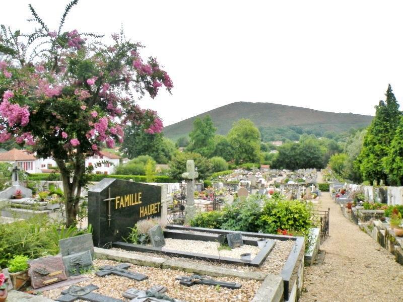 le cimetière d'Ascain