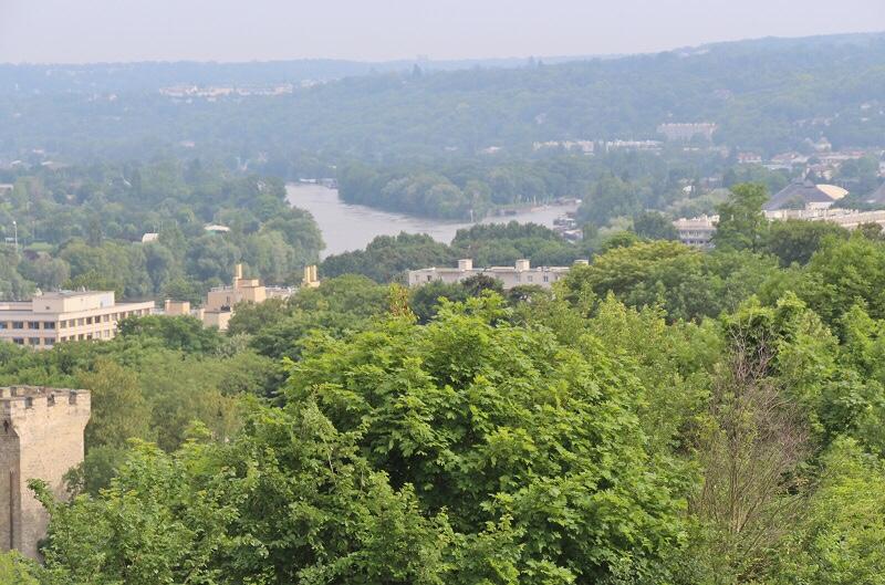 vue sur la Seine depuis la terrasse du parc du chateau de Saint Germain en Laye