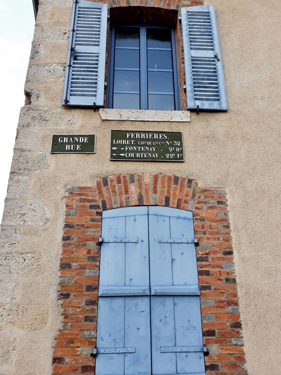 plaque michelin à Ferrieres
