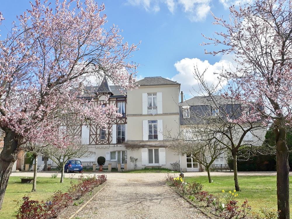 maison natale de Jean Cocteau à Maisons Laffitte.jpg