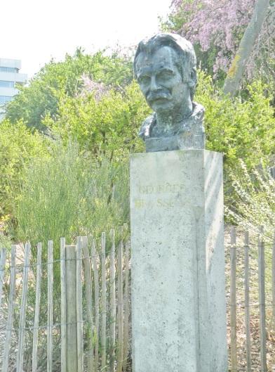 statue de G. Brassens.JPG