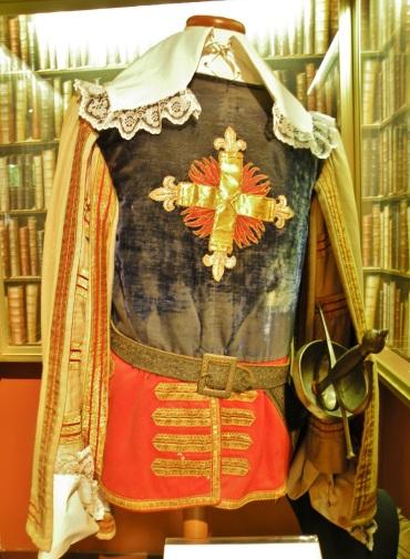 costume des trois mousquetaires.JPG